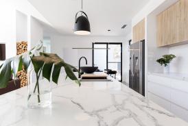 Plan de travail de cuisine en marbre ou en granit