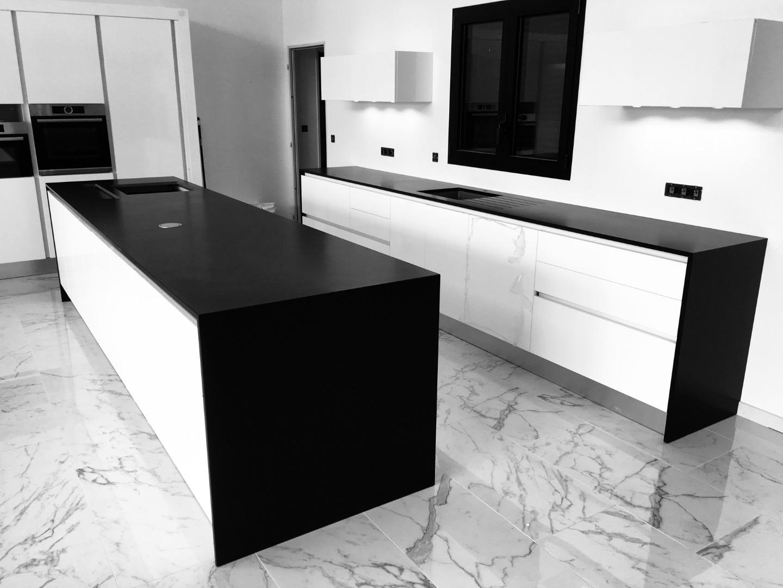 fabrication de plan de travail de cuisine en marbre blanc