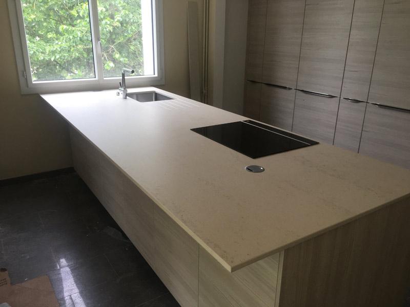 création de plan de travail de cuisine en marbre